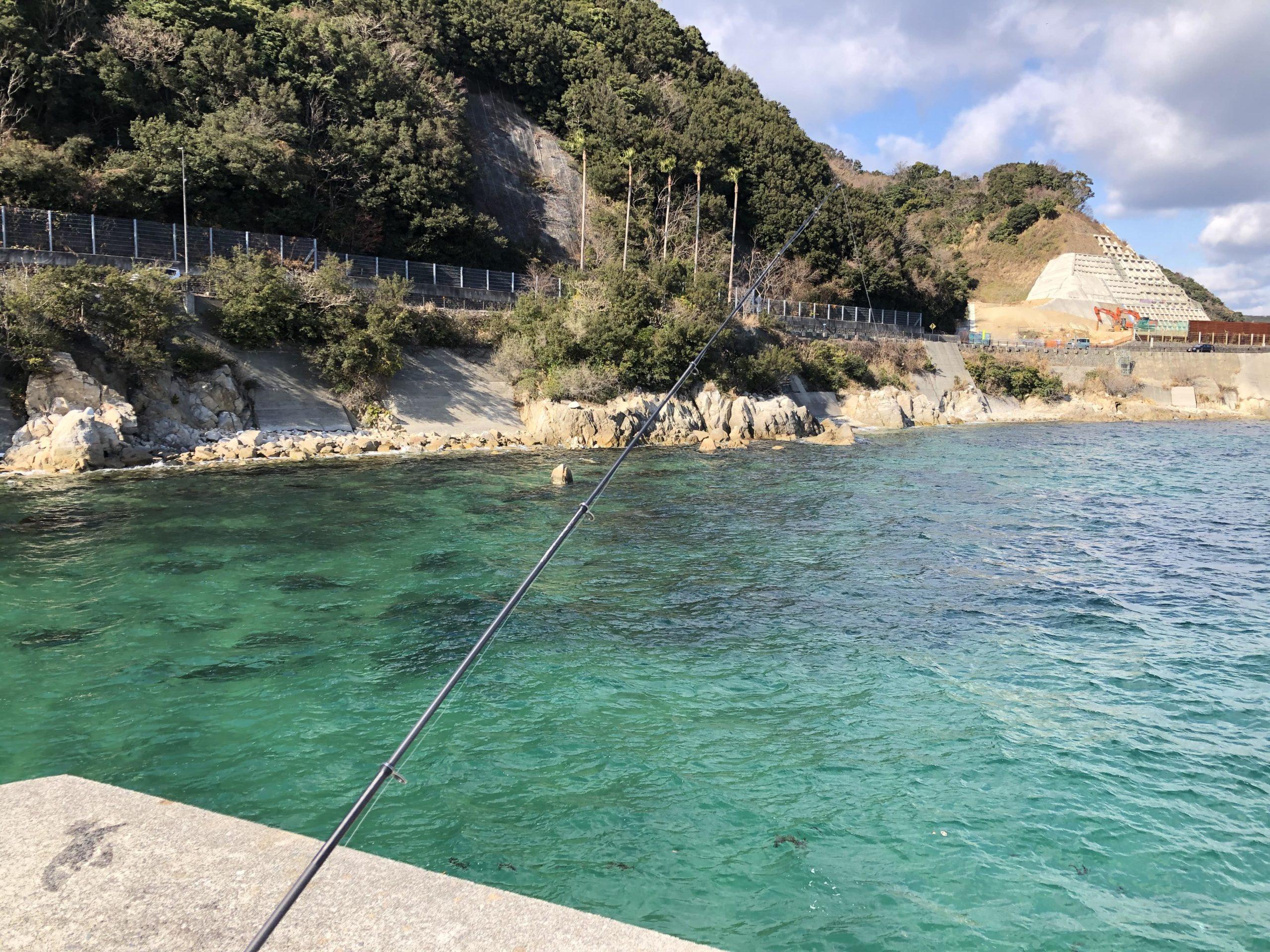 炬口漁港で飲ませ釣り
