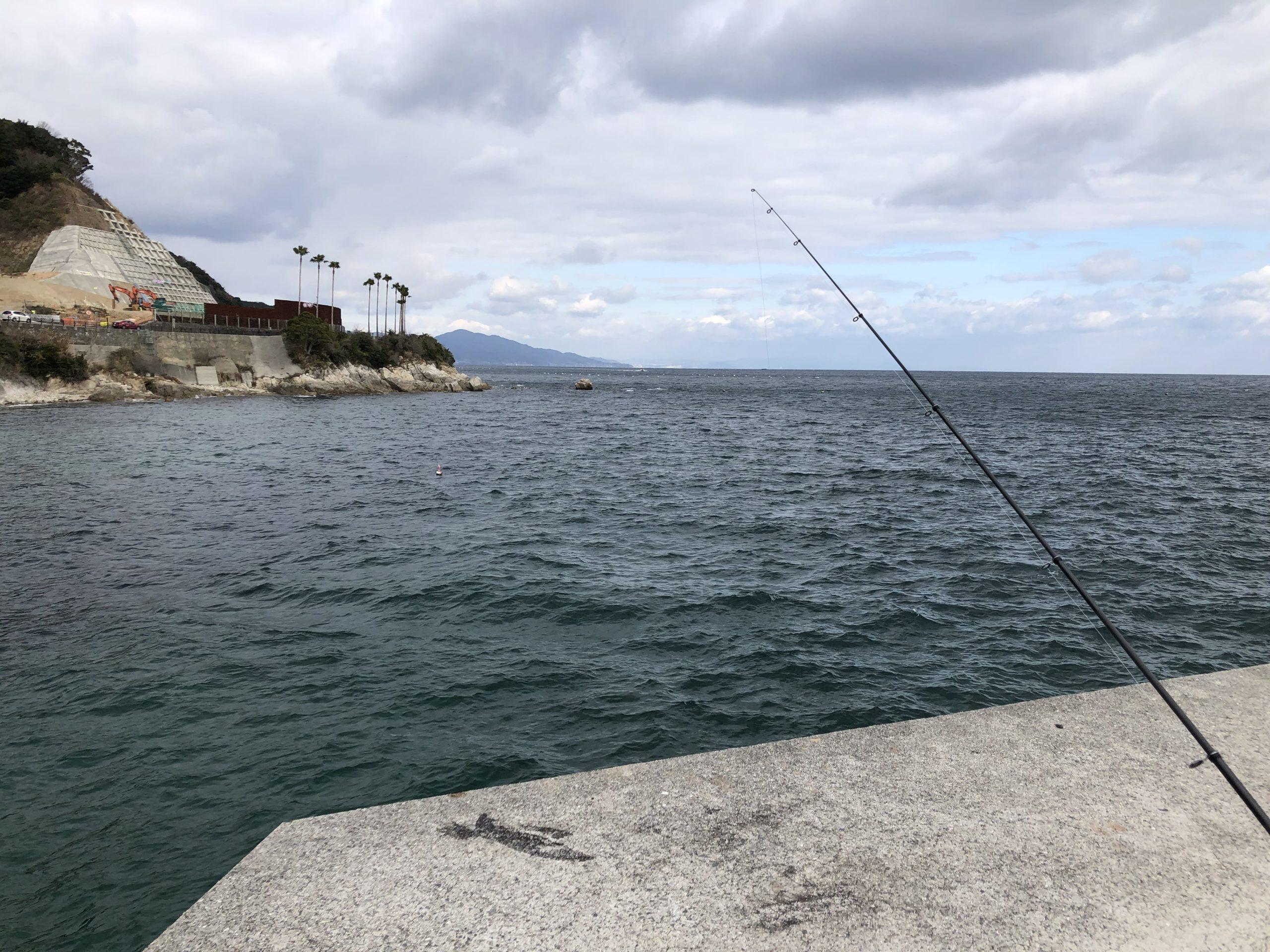 炬口漁港ビーチ側